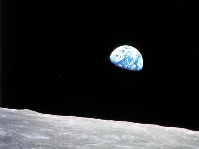 Imagen-tomada-primera-mision-tripulada-Luna